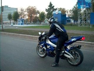 ��� Yamaha R1